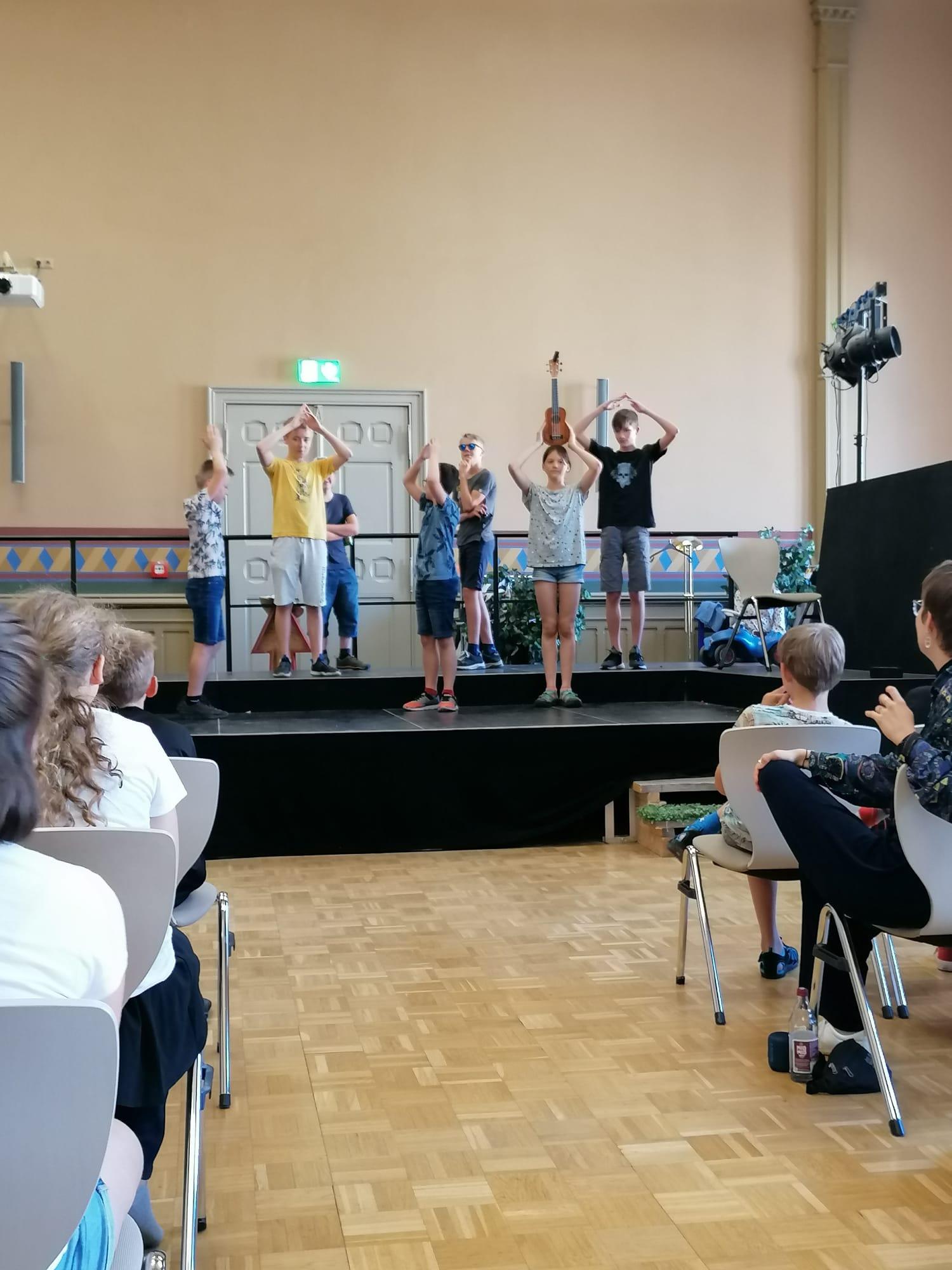Foto-15-Theater